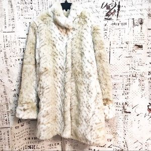 Pamela McCoy Faux Fur Snow Leopard Jacket Coat